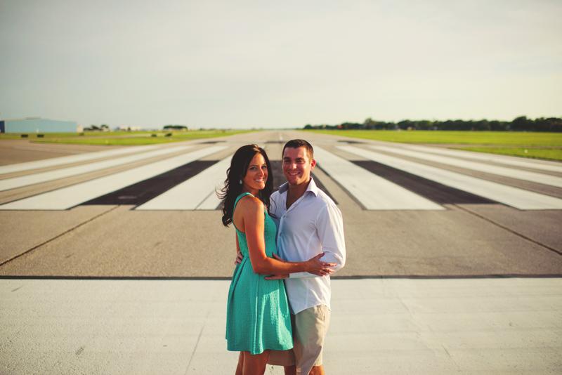 romantic-airport-engagement-jason-mize007