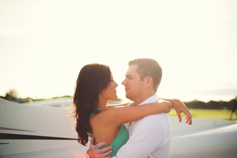 romantic-airport-engagement-jason-mize015