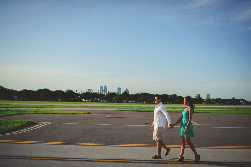 romantic-airport-engagement-jason-mize020
