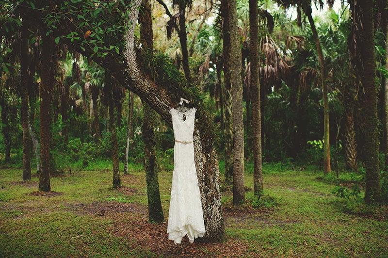 naples-backyard-wedding-photos-024.jpg
