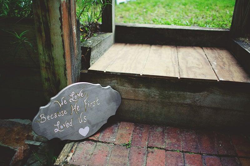 naples-backyard-wedding-photos-035.jpg