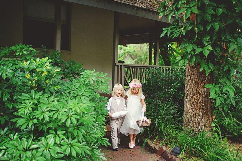 naples-backyard-wedding-photos-043.jpg
