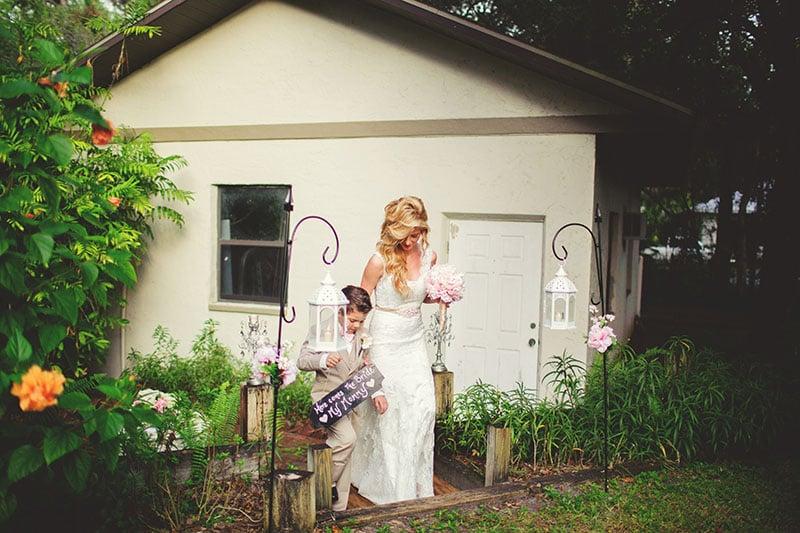 naples-backyard-wedding-photos-044.jpg