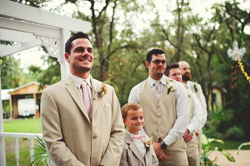 naples-backyard-wedding-photos-045.jpg