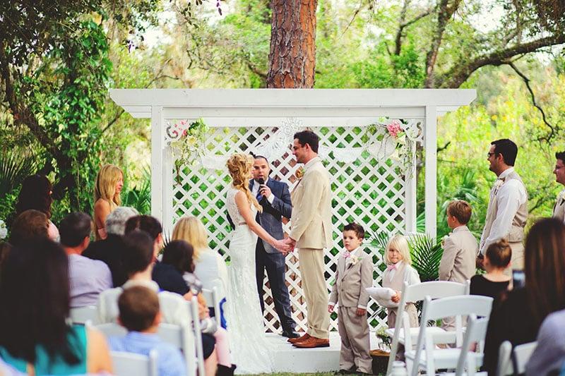 naples-backyard-wedding-photos-053.jpg