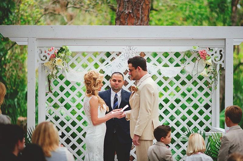 naples-backyard-wedding-photos-055.jpg