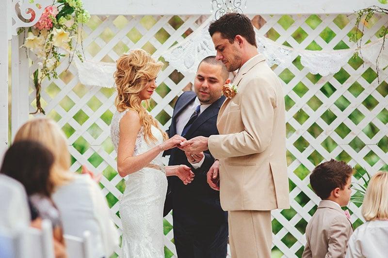 naples-backyard-wedding-photos-057.jpg