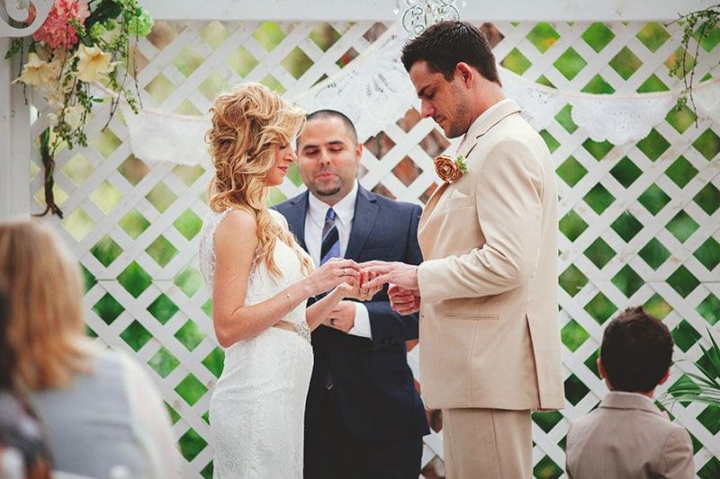 naples-backyard-wedding-photos-058.jpg