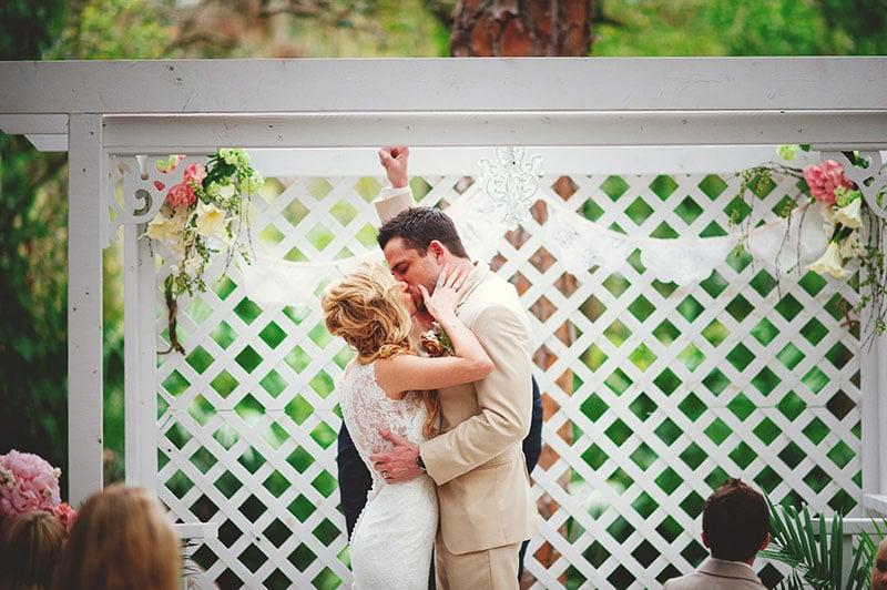 naples-backyard-wedding-photos-061.jpg