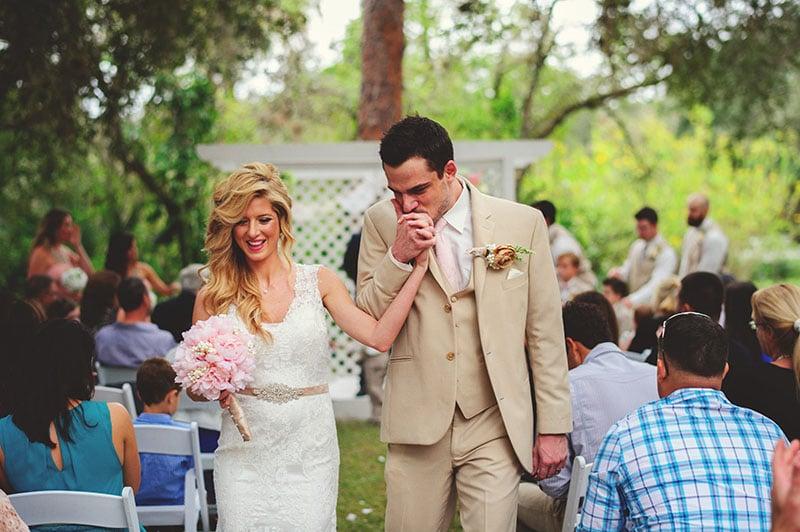 naples-backyard-wedding-photos-062.jpg