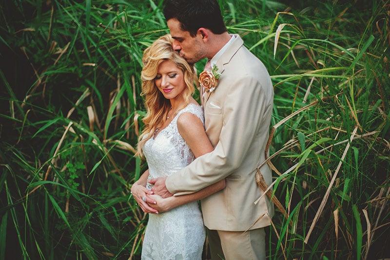 naples-backyard-wedding-photos-072.jpg