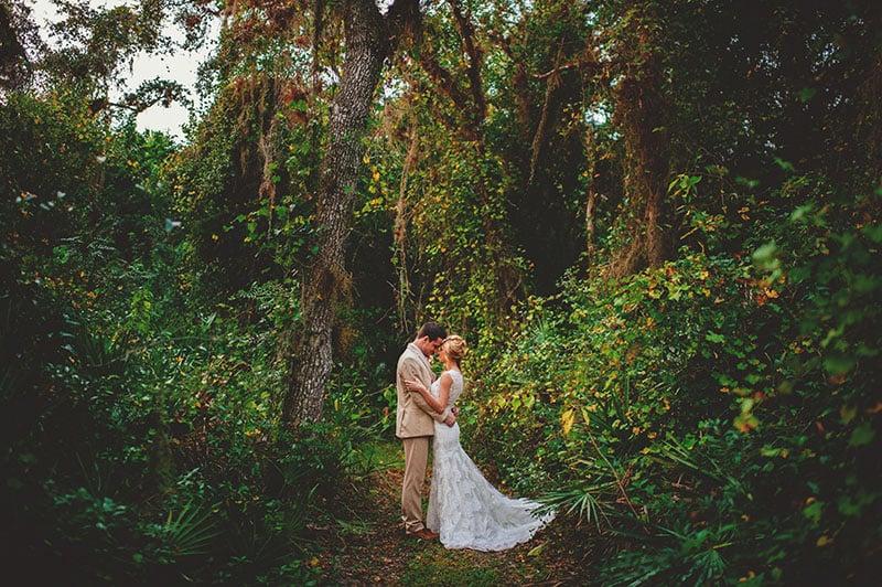 naples-backyard-wedding-photos-076.jpg