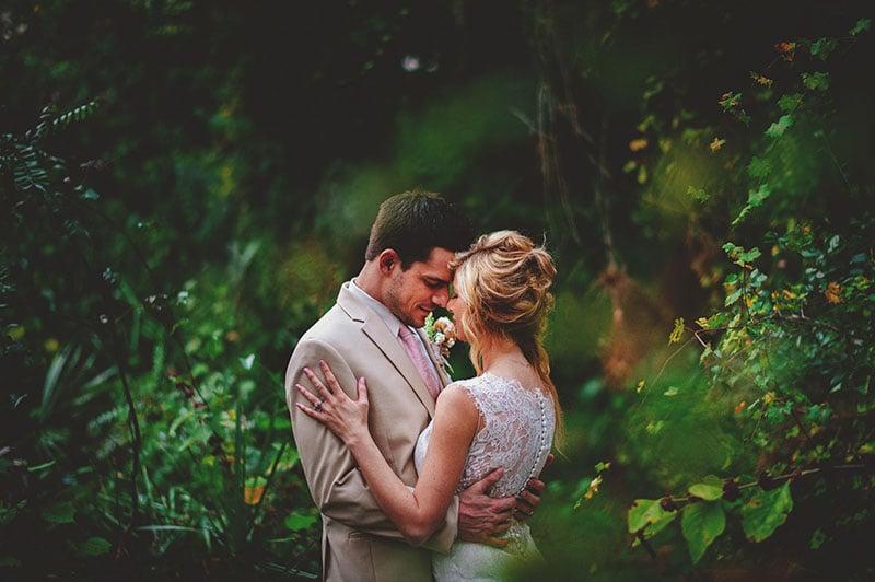 naples-backyard-wedding-photos-078.jpg