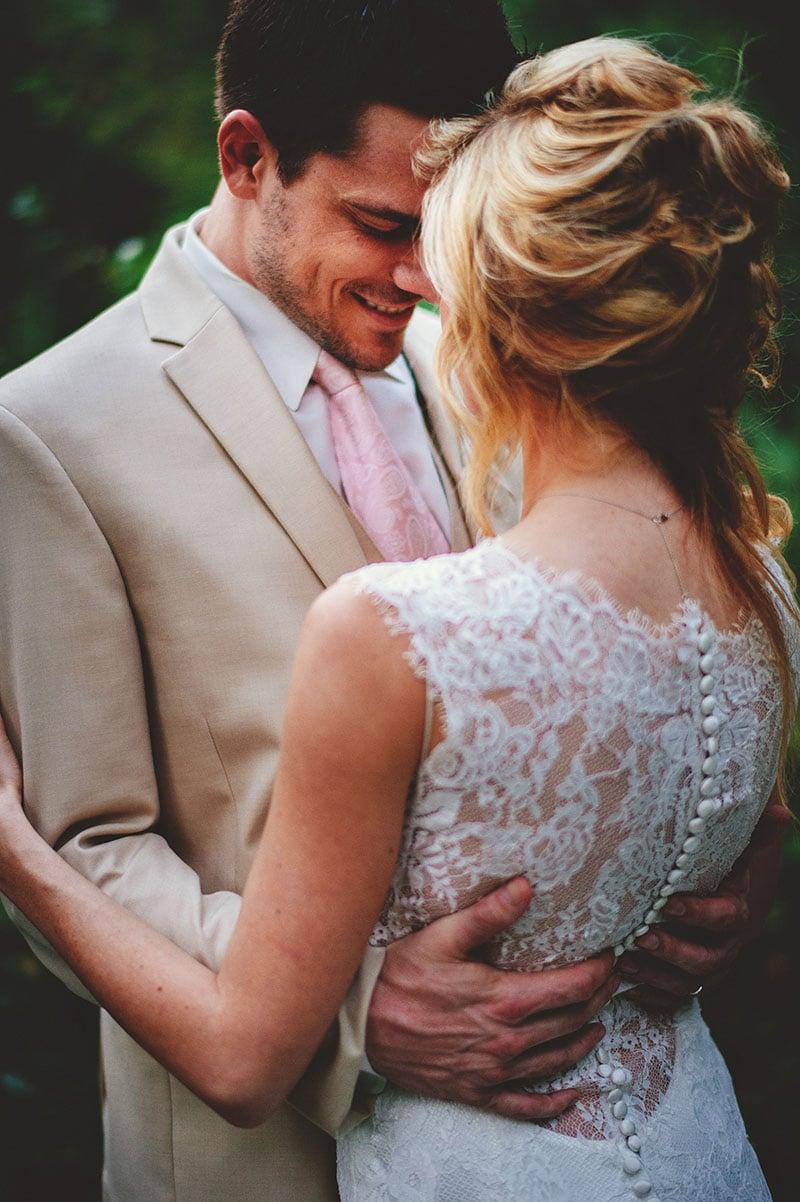 naples-backyard-wedding-photos-079.jpg