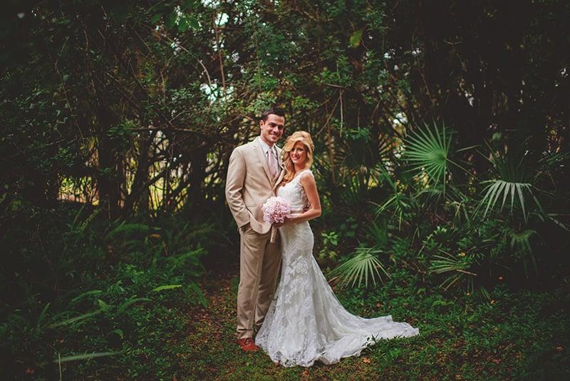naples-backyard-wedding-photos-085.jpg