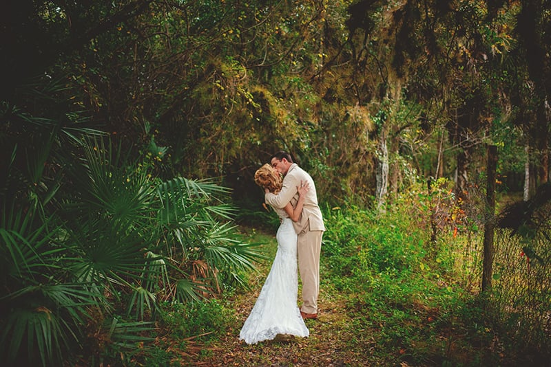 naples-backyard-wedding-photos-087.jpg
