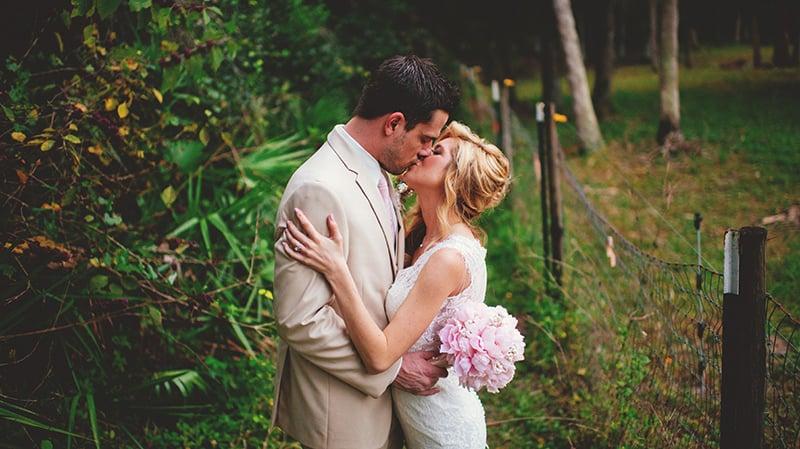 naples-backyard-wedding-photos-090.jpg