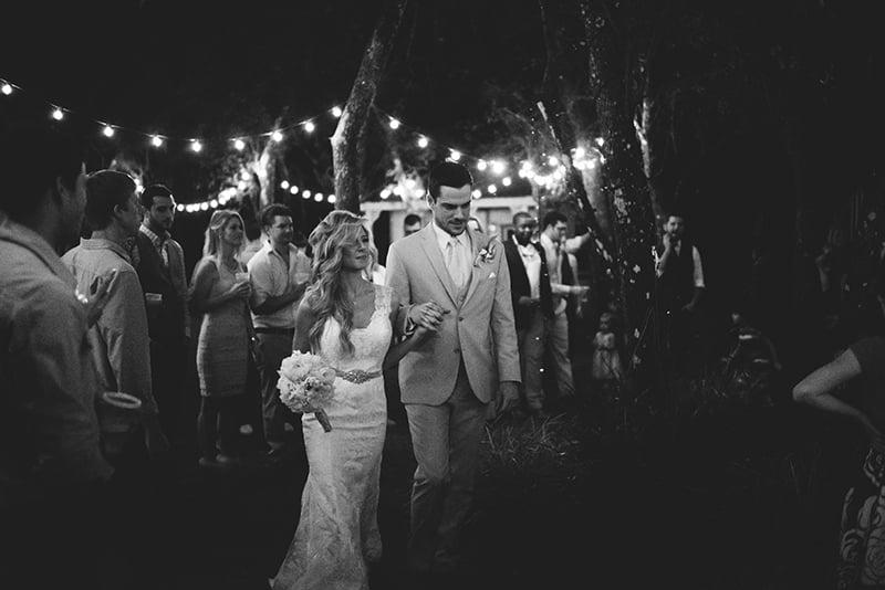 naples-backyard-wedding-photos-101.jpg