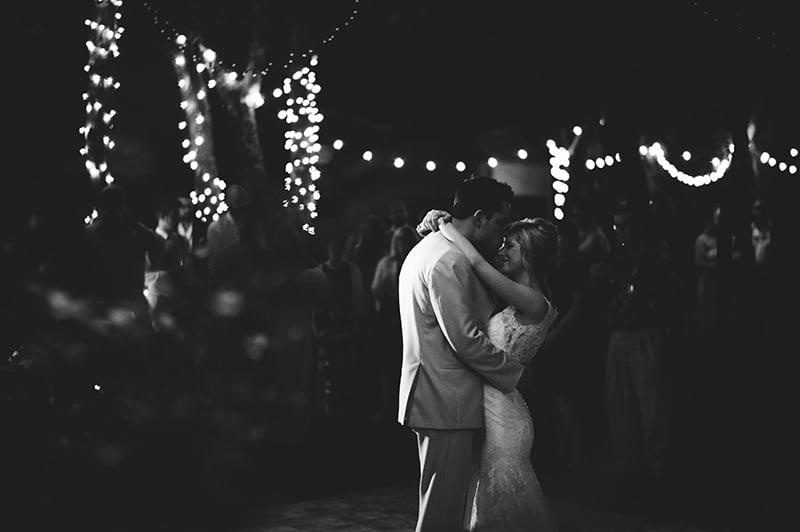 naples-backyard-wedding-photos-102.jpg