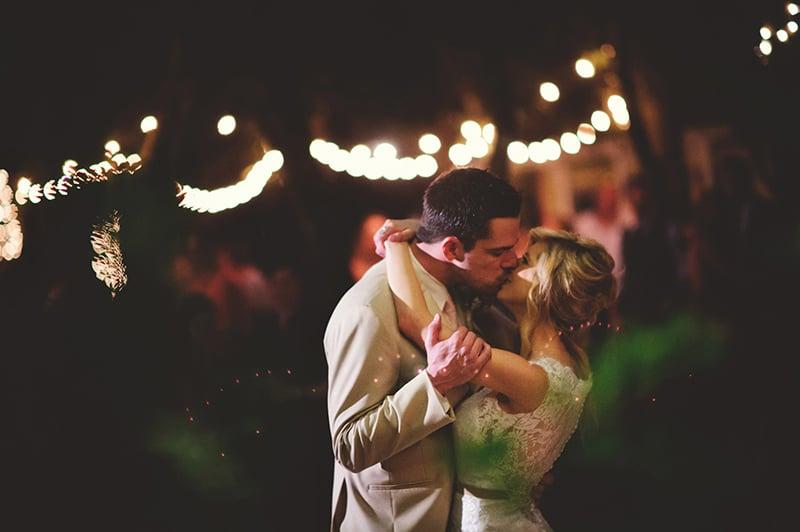 naples-backyard-wedding-photos-104.jpg
