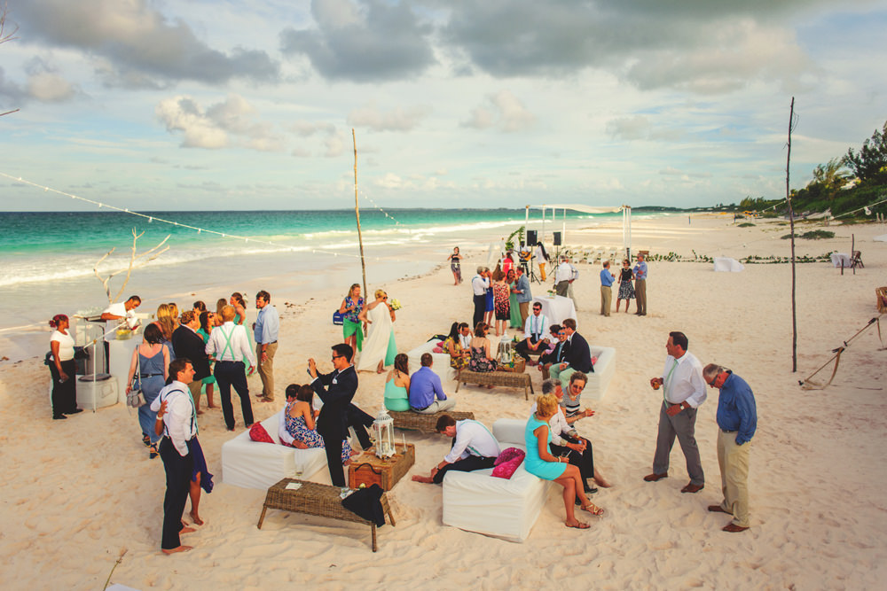 ocean view club wedding : guests on the beach