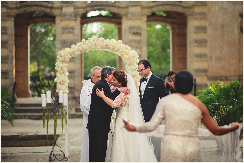 vizcaya-museum-romantic-wedding-_0083.jpg