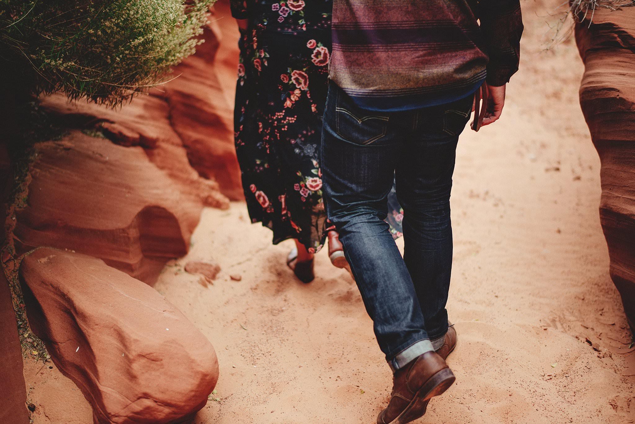 horseshoe-canyon-engagment-photos0005.jpg