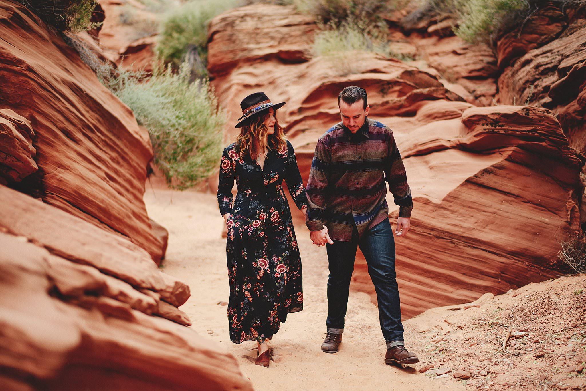 horseshoe-canyon-engagment-photos0006.jpg