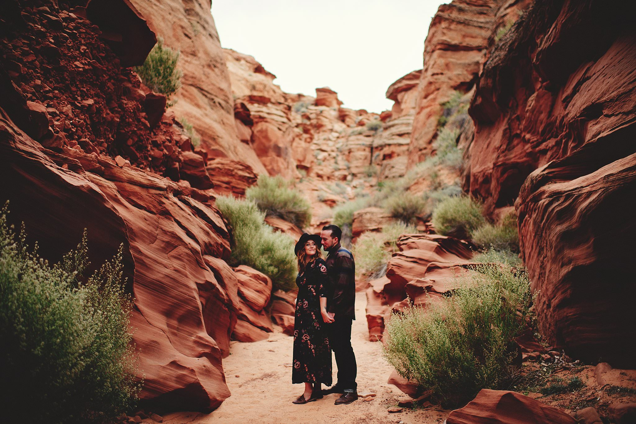 horseshoe-canyon-engagment-photos0010.jpg