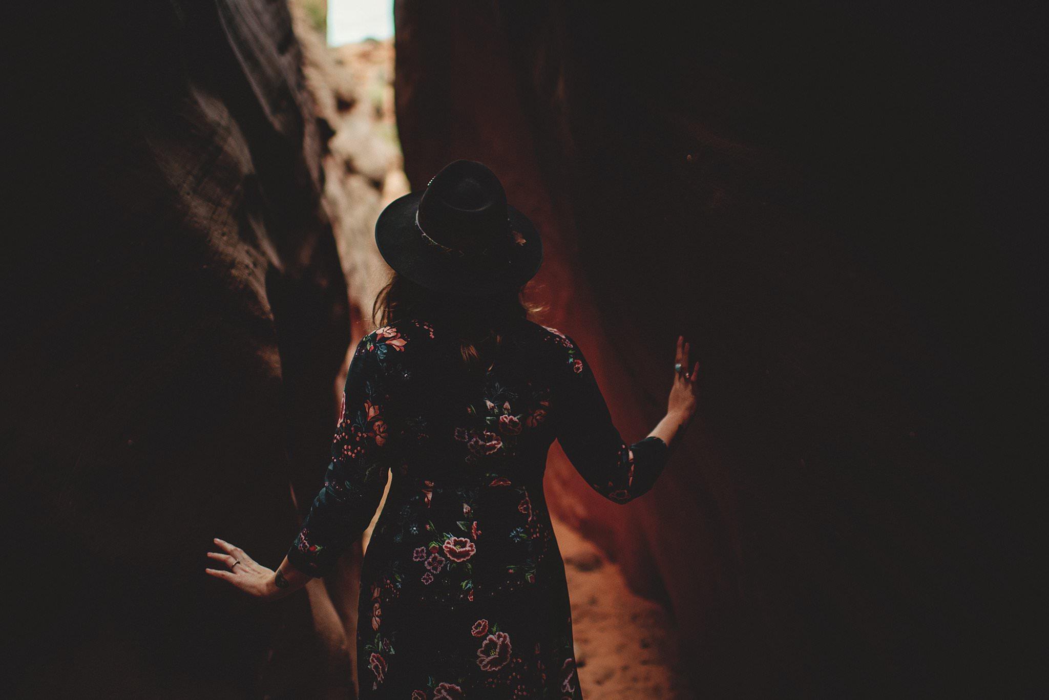 horseshoe-canyon-engagment-photos0013.jpg