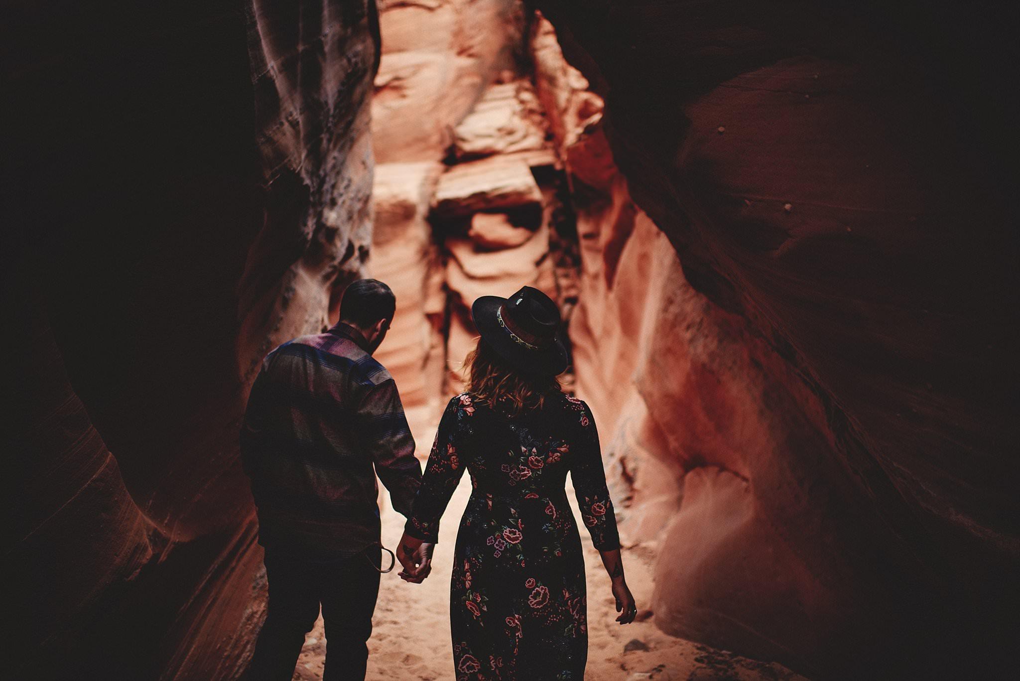 horseshoe-canyon-engagment-photos0016.jpg