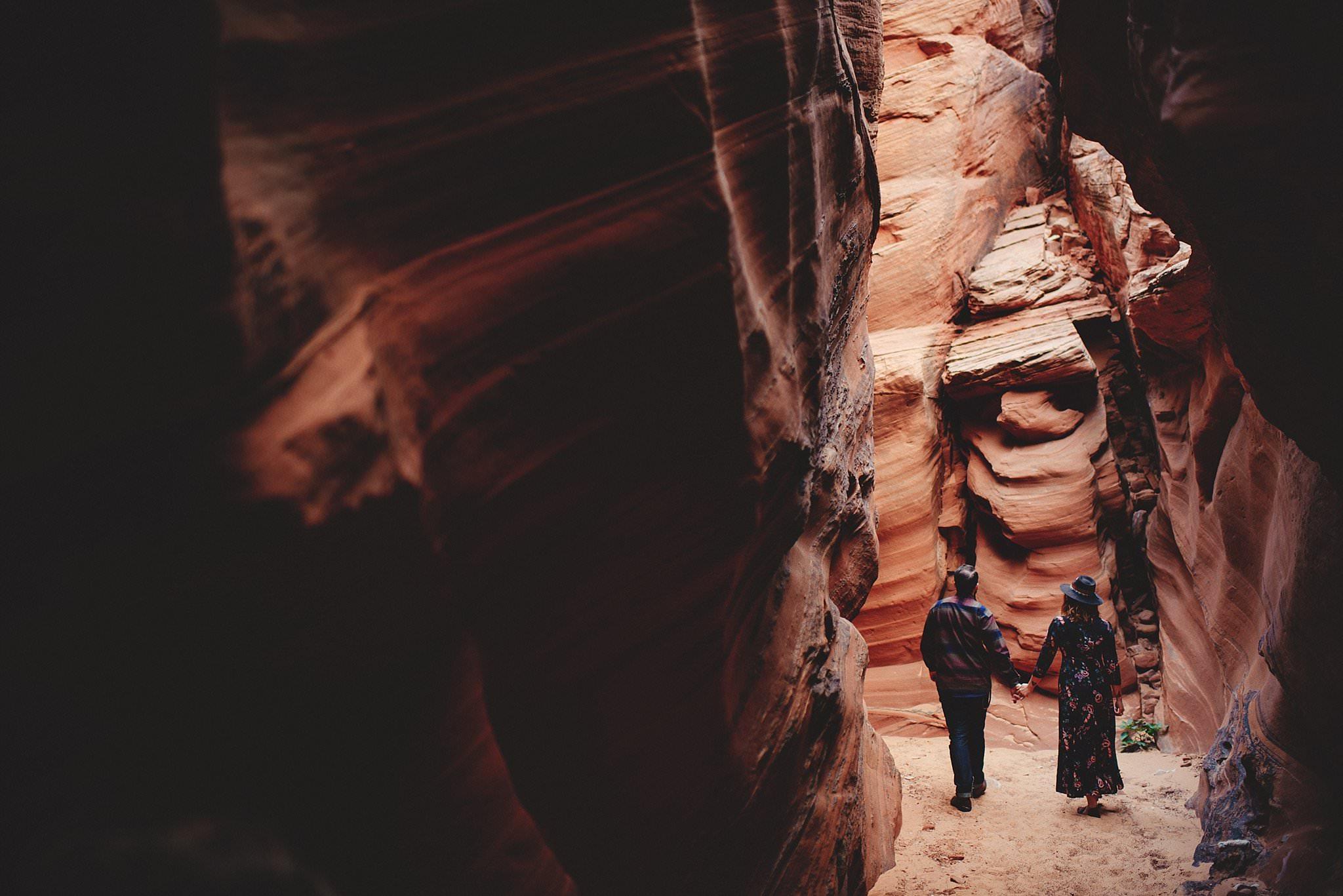 horseshoe-canyon-engagment-photos0017.jpg