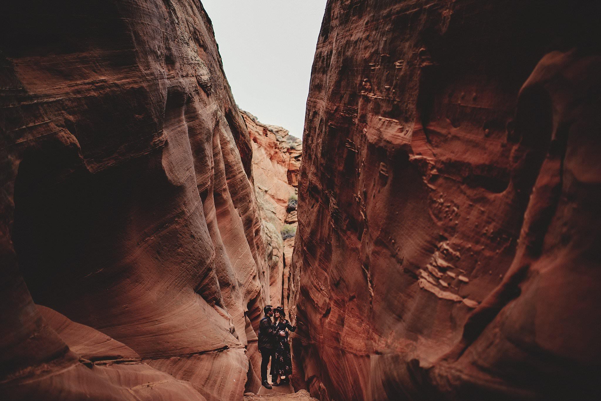 horseshoe-canyon-engagment-photos0024.jpg