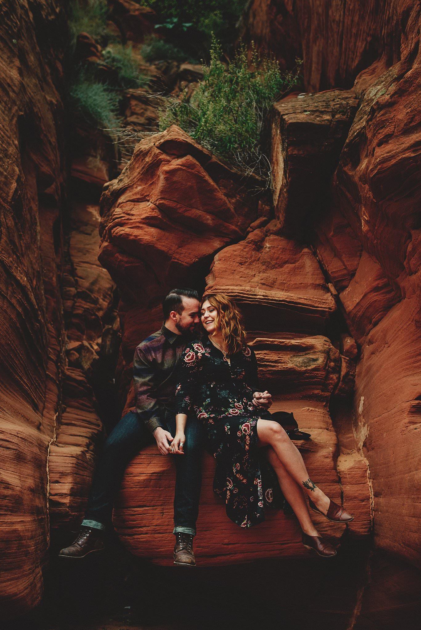 horseshoe-canyon-engagment-photos0027.jpg