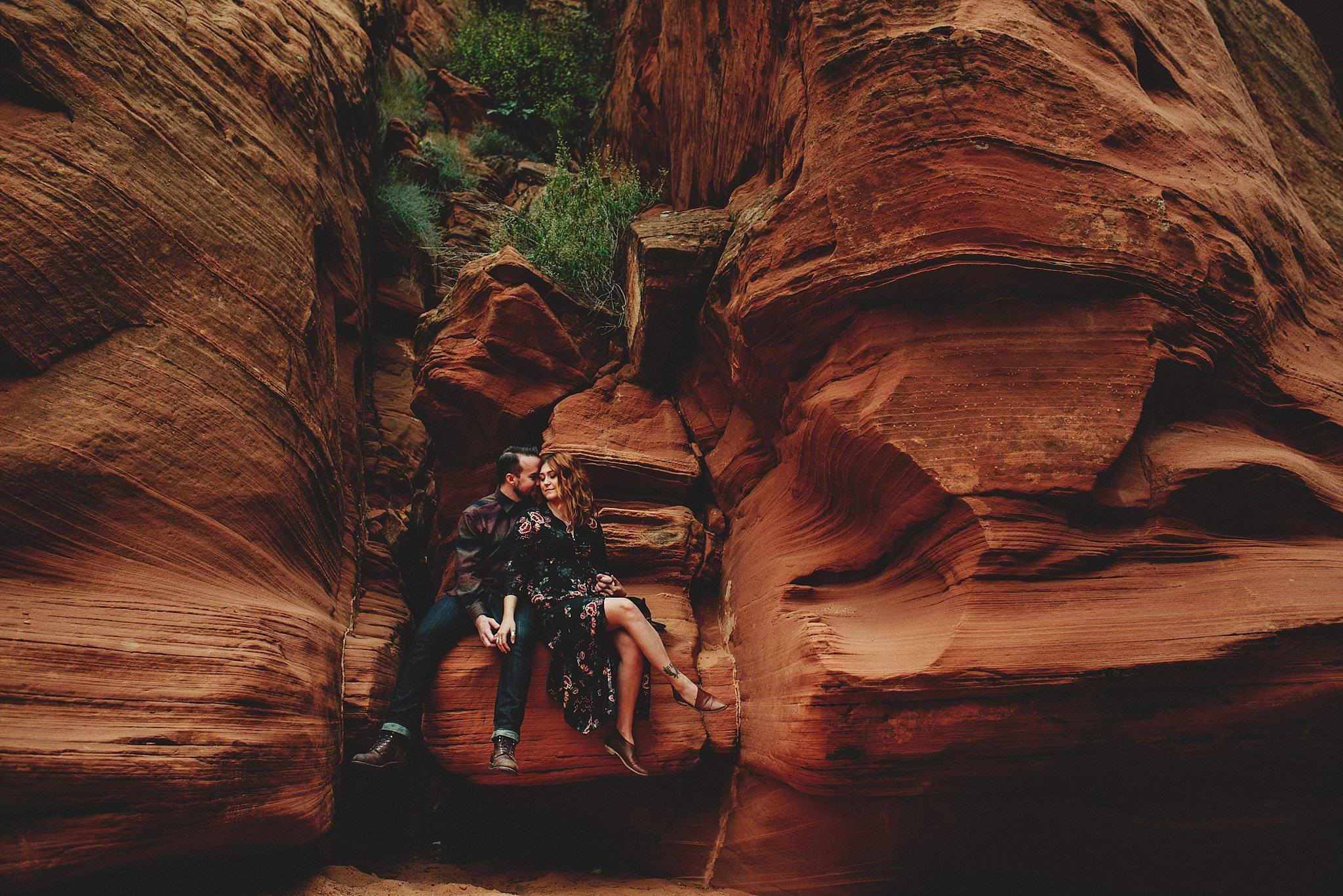 horseshoe-canyon-engagment-photos0026.jpg