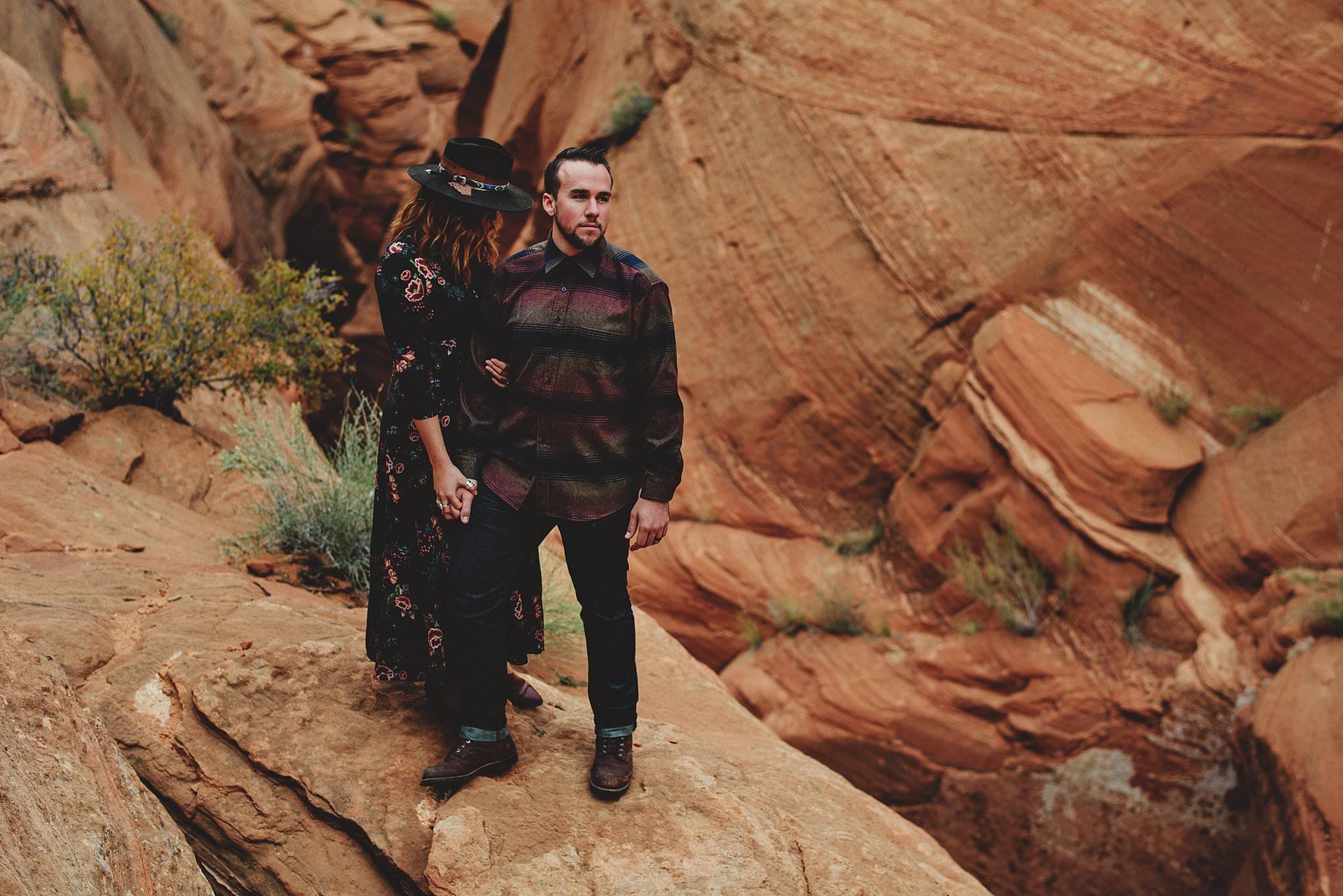 horseshoe-canyon-engagment-photos0032.jpg