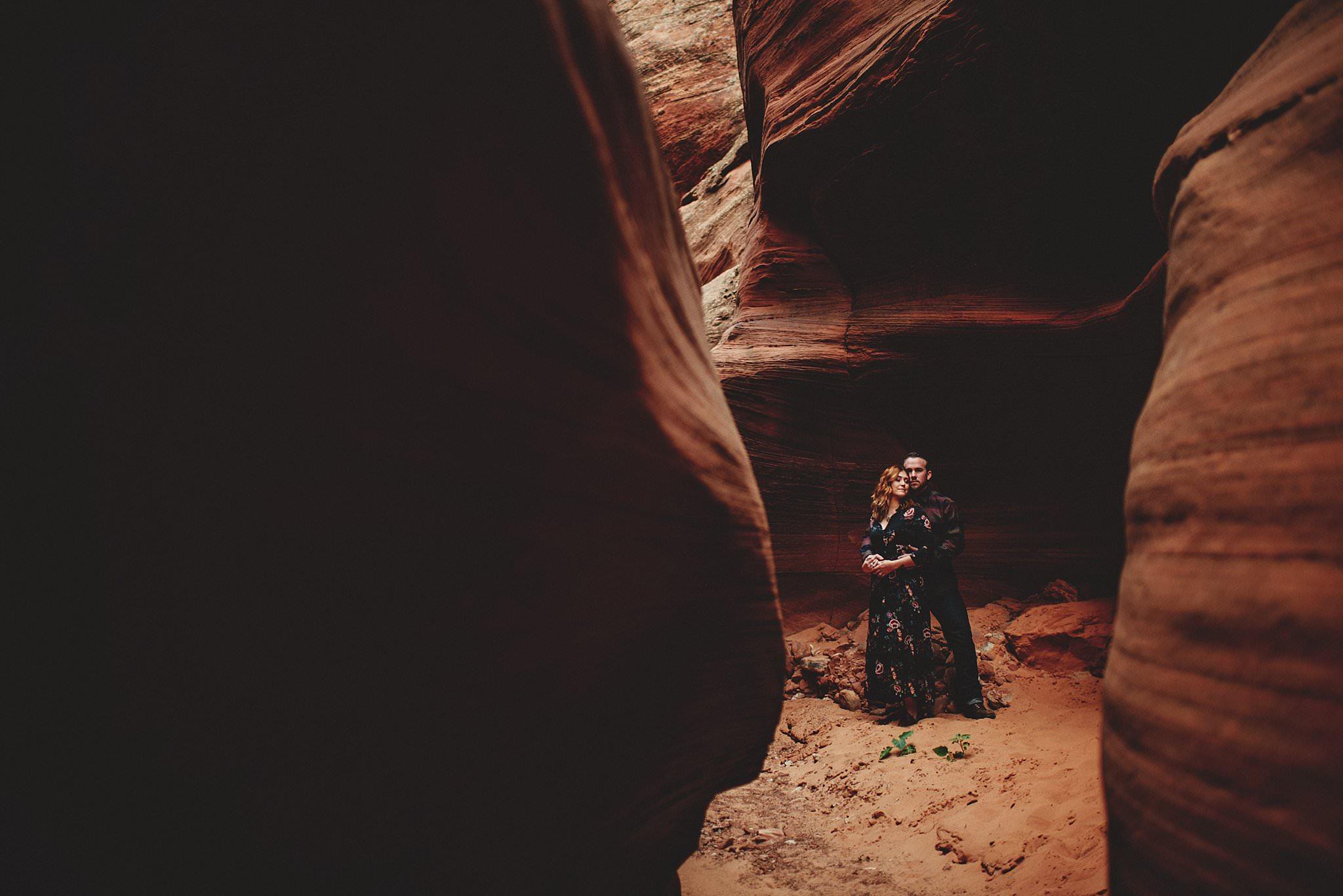 horseshoe-canyon-engagment-photos0041.jpg