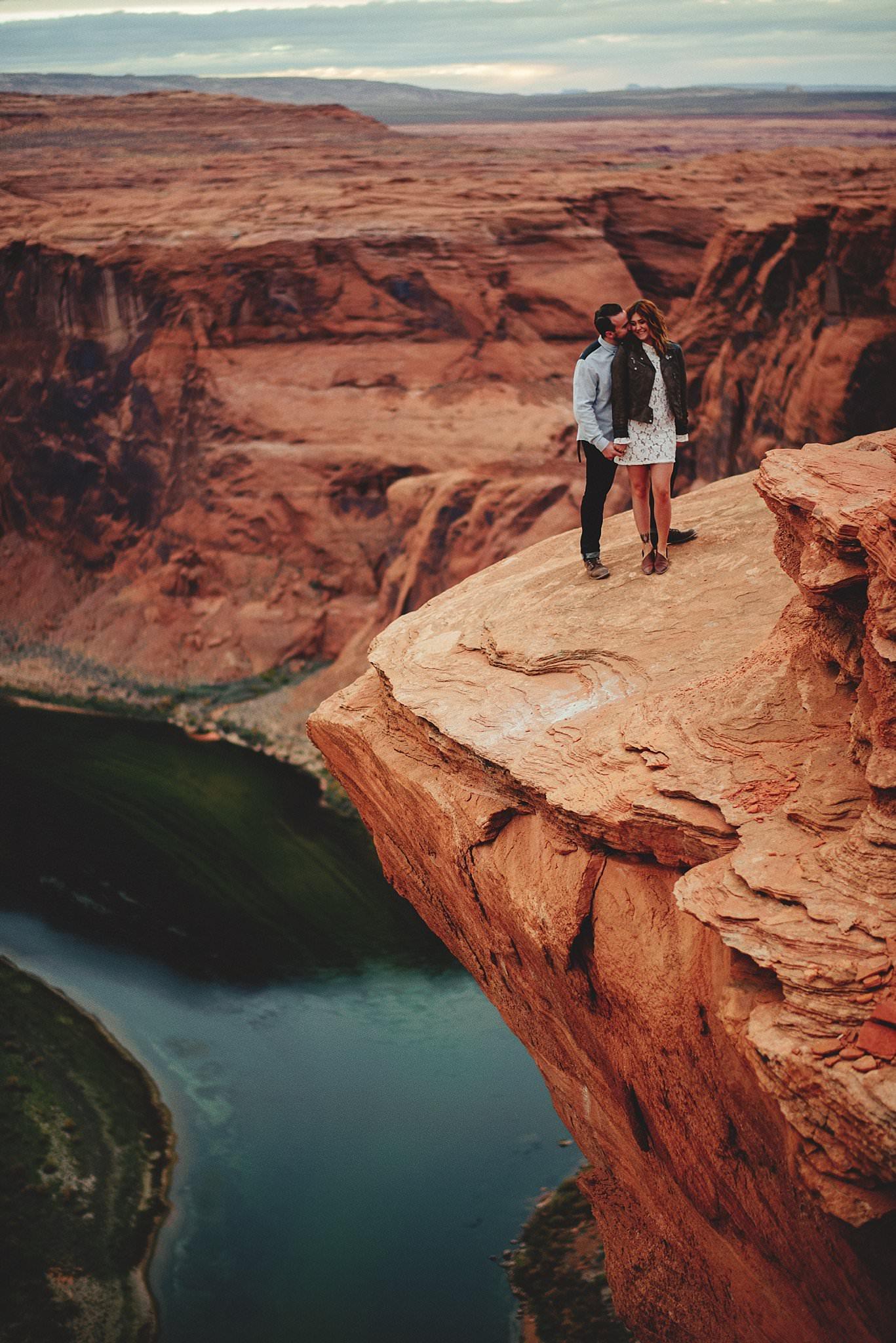 horseshoe-canyon-engagment-photos0064.jpg