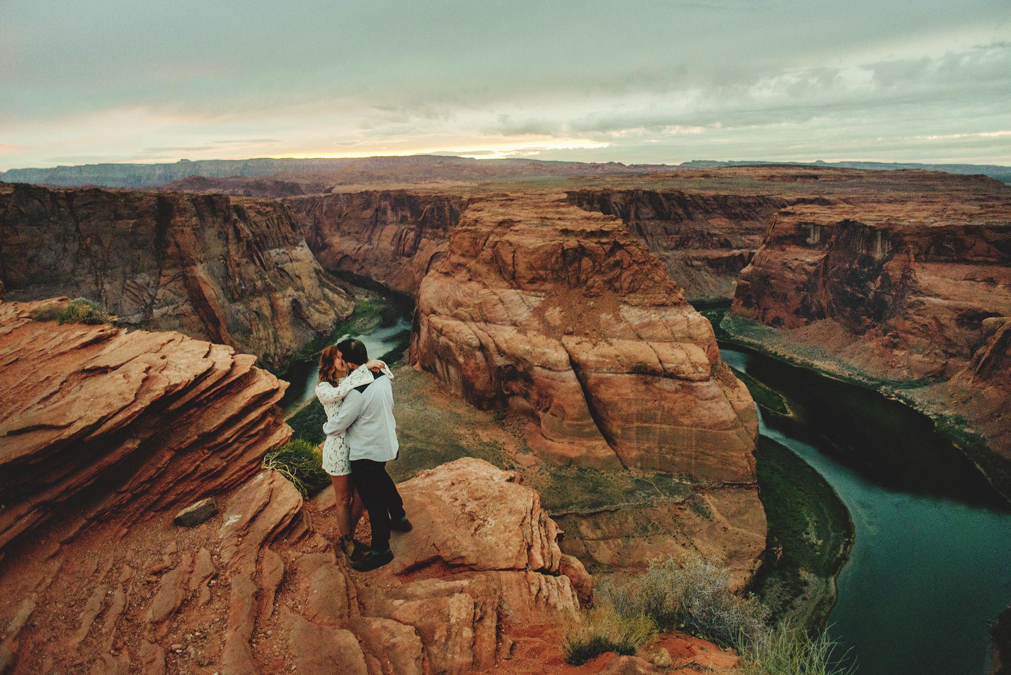 horseshoe-canyon-engagment-photos0068.jpg