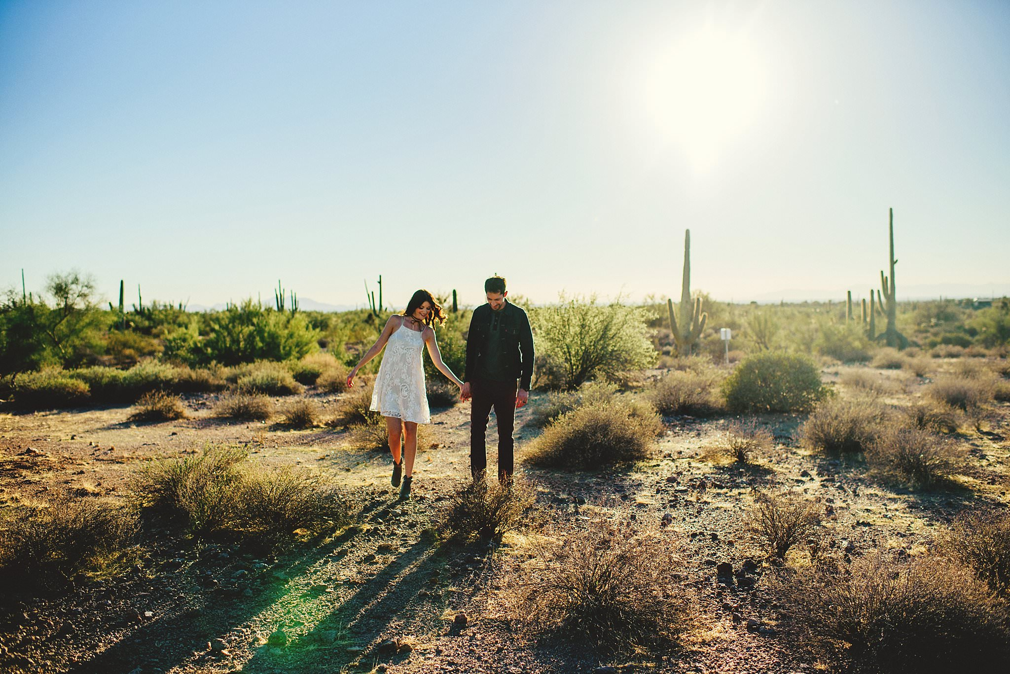 superstition-mountains-desert-engagement-photos-0006.jpg