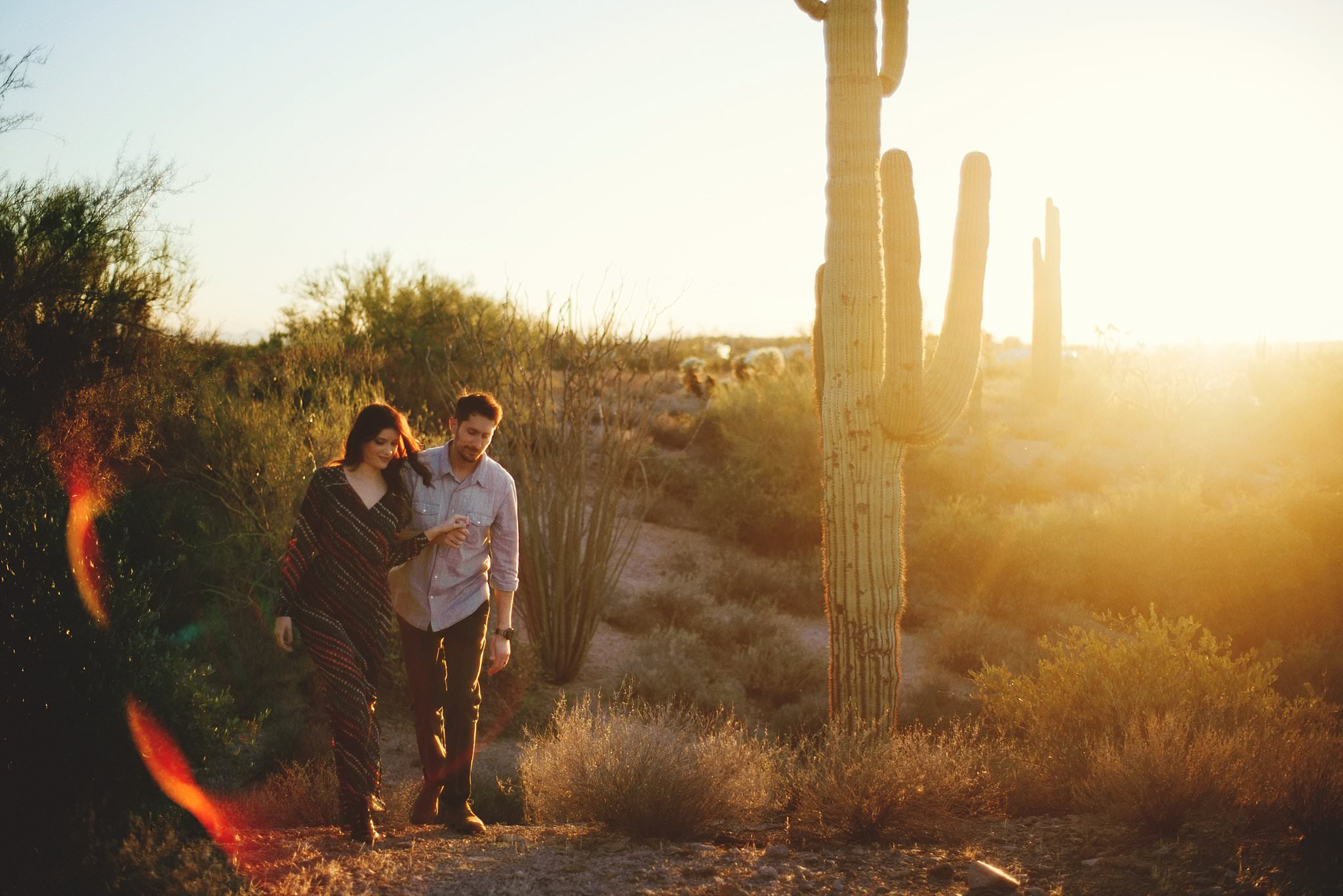 superstition-mountains-desert-engagement-photos-0023.jpg