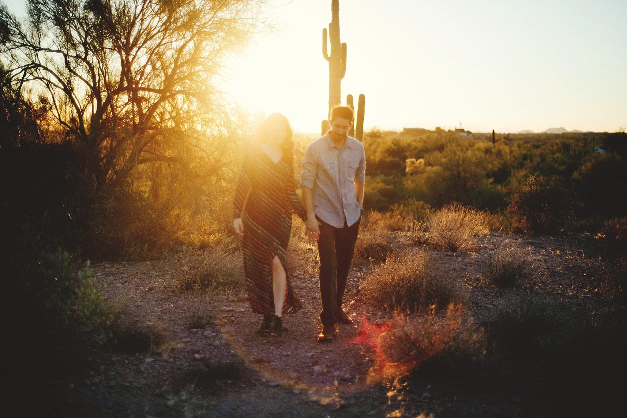 superstition-mountains-desert-engagement-photos-0024.jpg