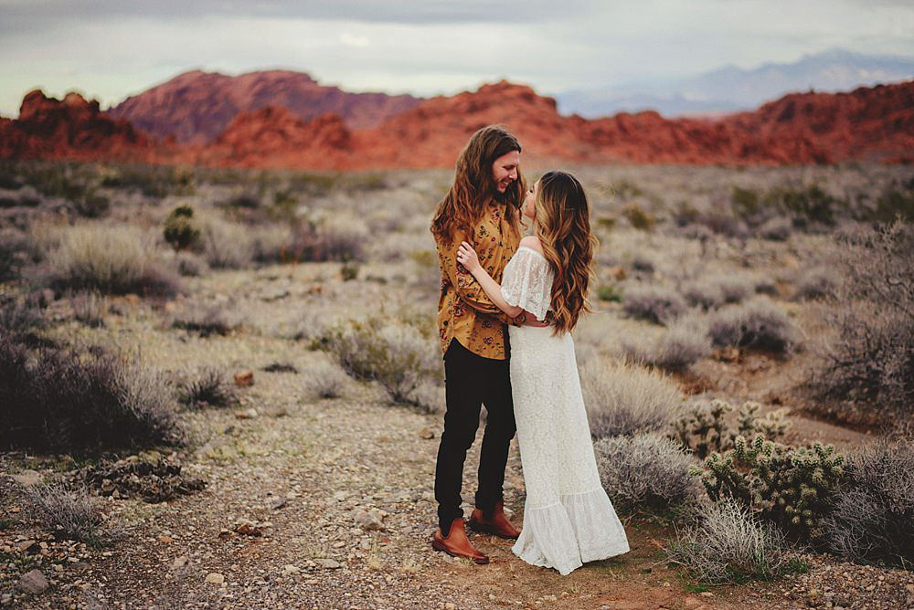 valley of fire engagement photos : park entrance
