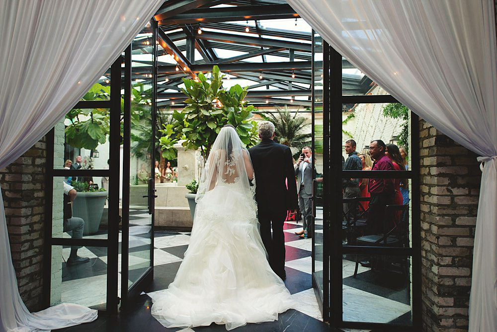 oxford exchange wedding : bride adn dad walking in