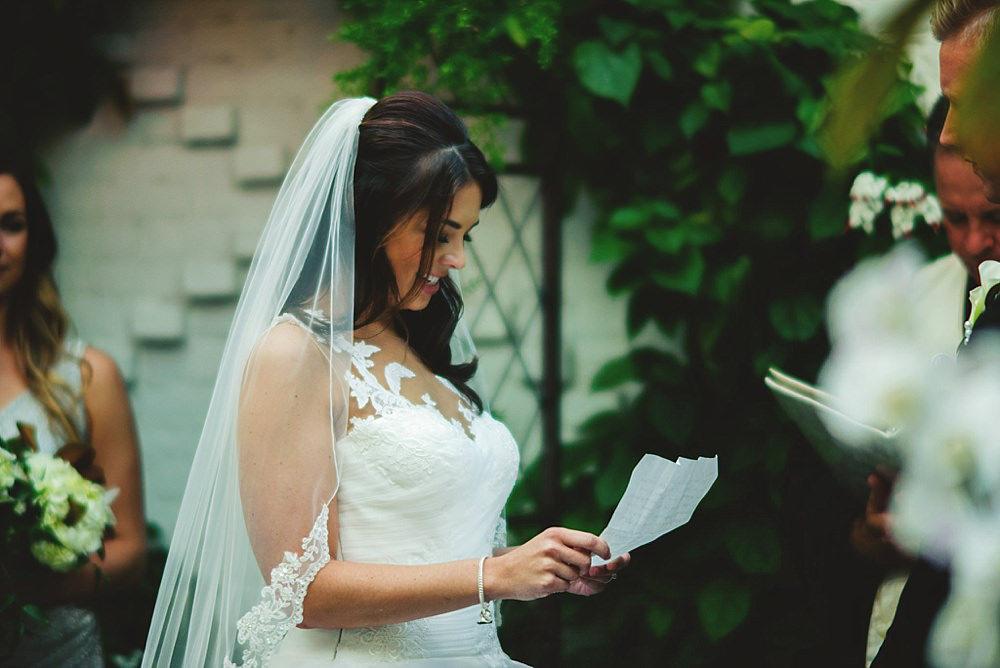 bride reading her vows