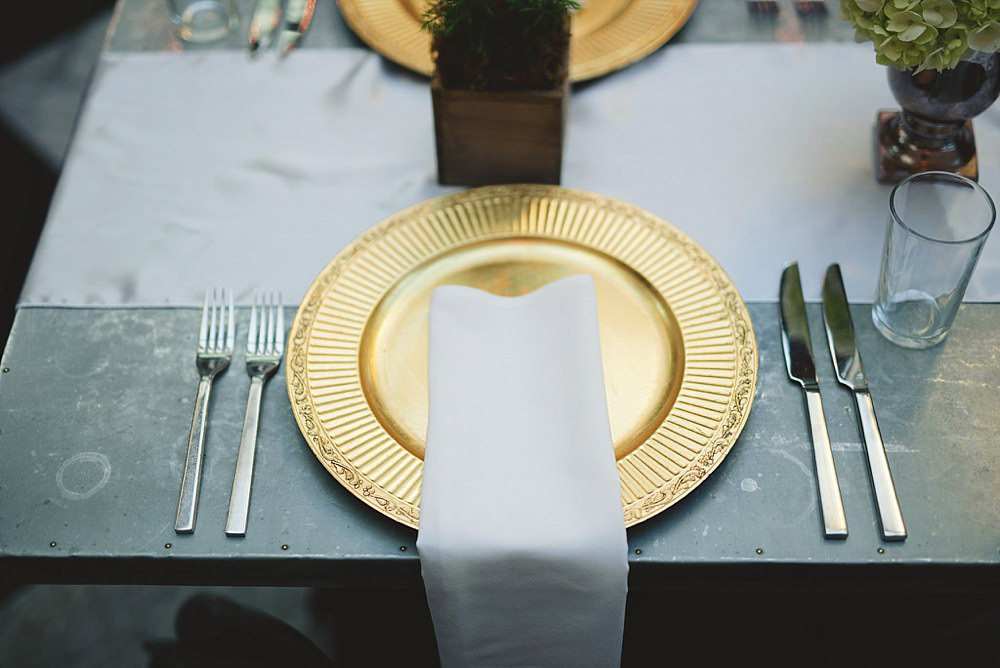 oxford exchange wedding : plate setting