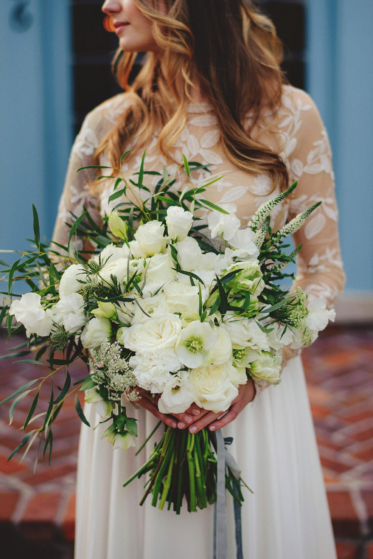 casa feliz wedding photos: bride's bouquet