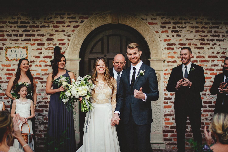 casa feliz wedding photos: thumbs up
