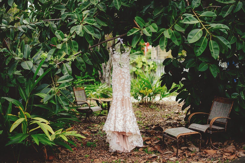 sunken-gardens-romantic-wedding-photos-0011.JPG