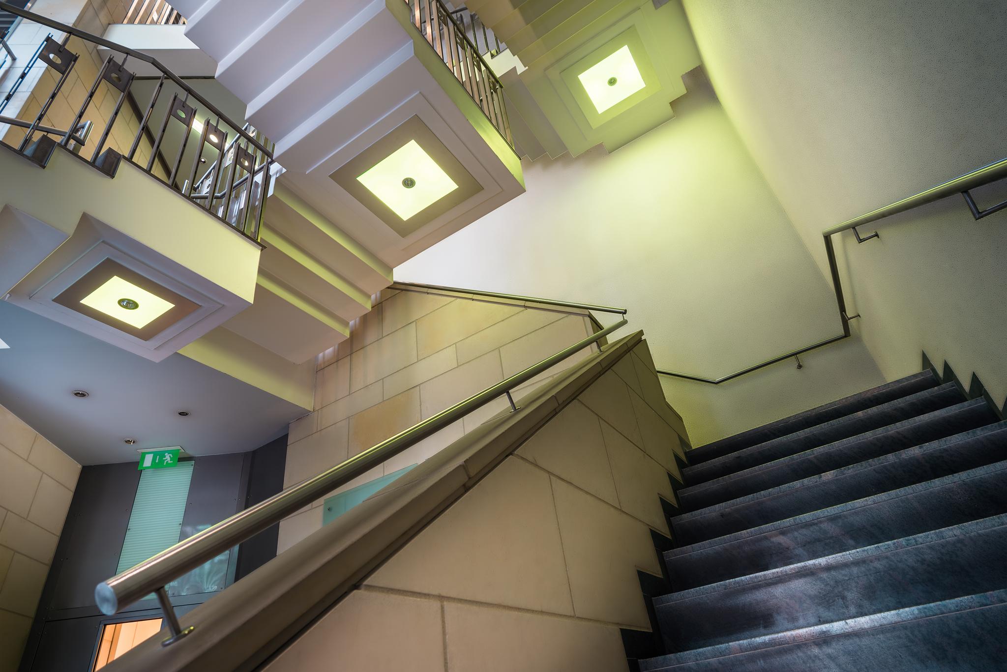 Treppenhaus architektonische Perspektive Immobilienfoto